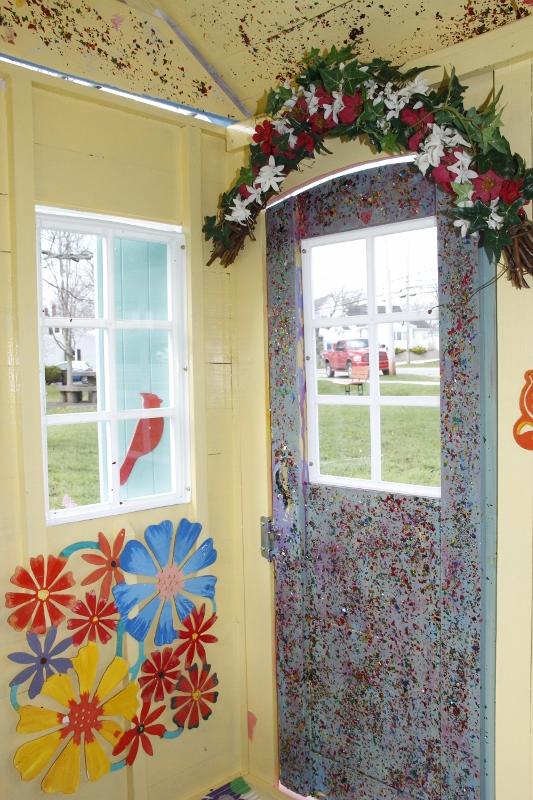 sparkles door flowers